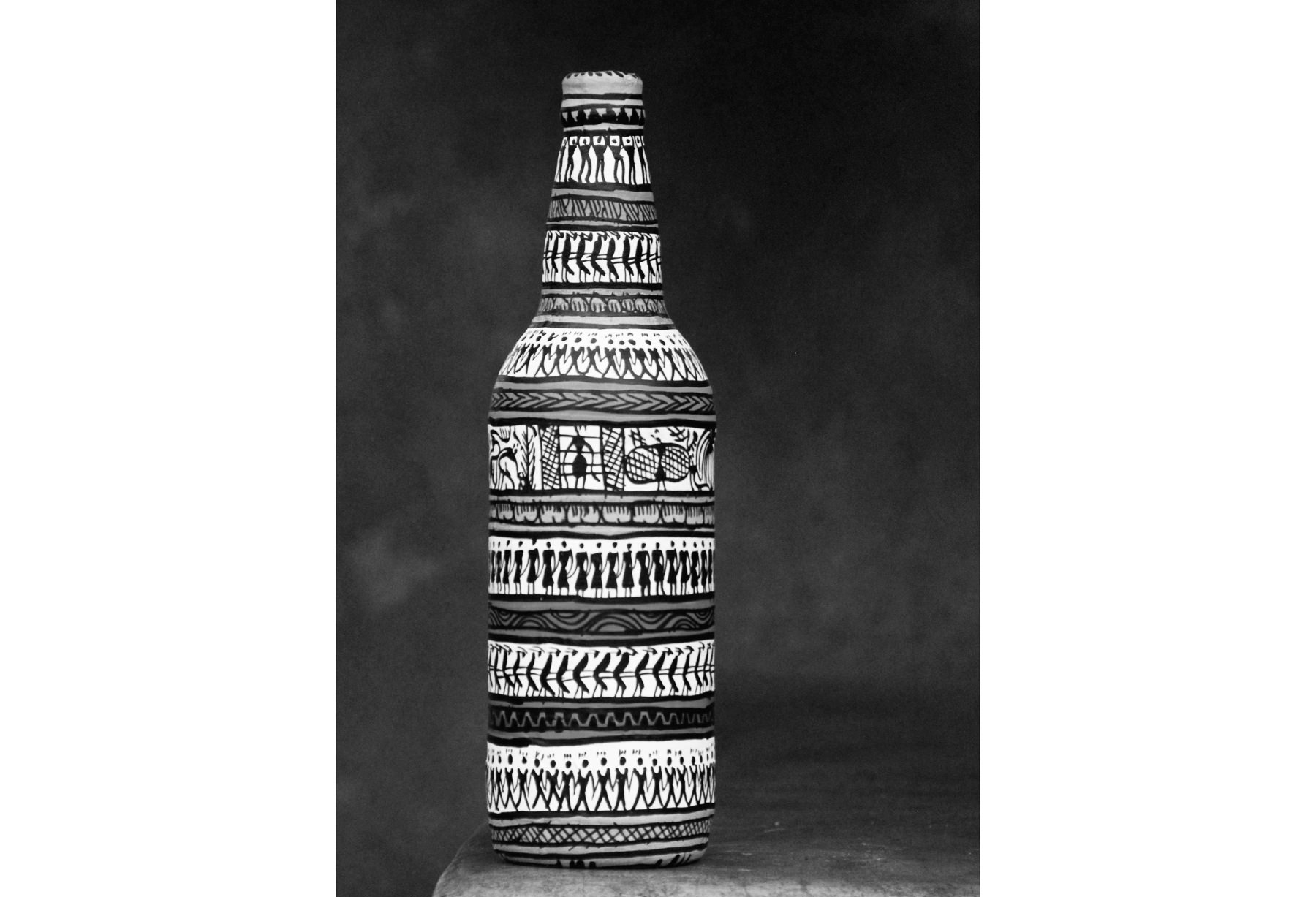 Tribal Painting Bottle Black And White Big6