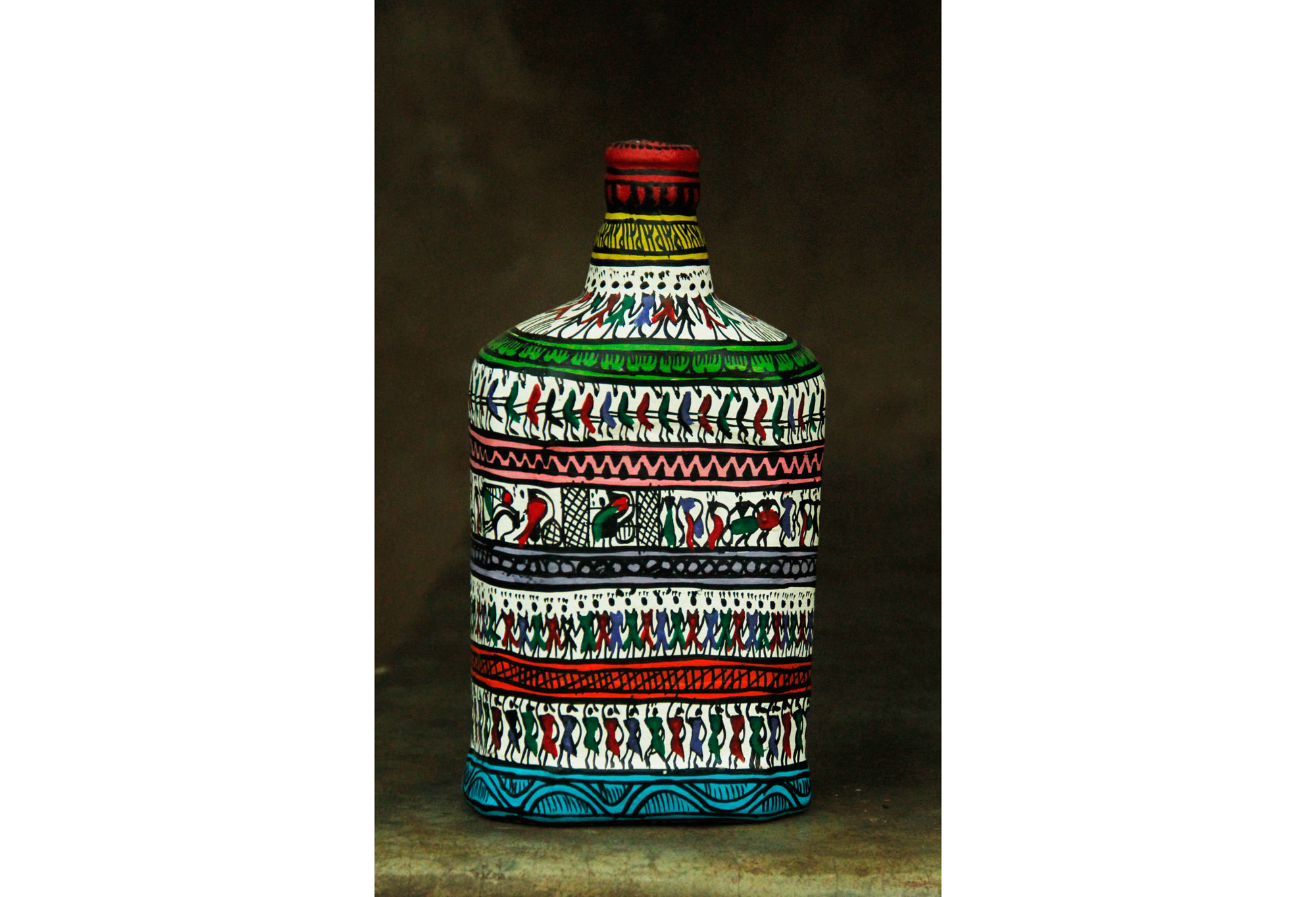 Tribal Painting Square Bottle Big1